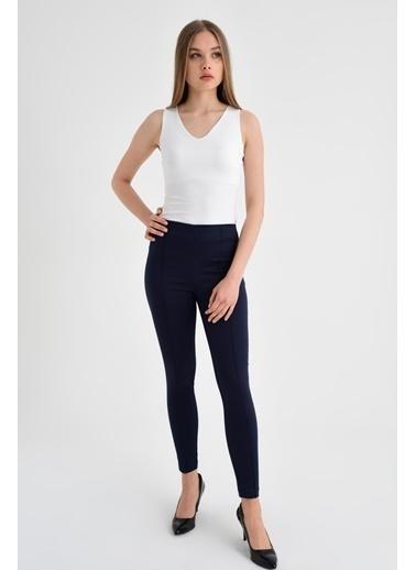 Jument Ön Arka Dikişli Dar Paça Tayt Pantolon - Beyaz Lacivert